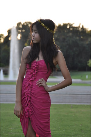 hot pink ruffled H&M dress - gold DIY accessories