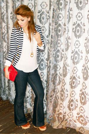 necklace accessories - platforms shoes - denim jeans - fashion jacket