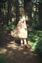 Pimkie boots - Primark socks - Primark top - floral print Urban Outfitters skirt