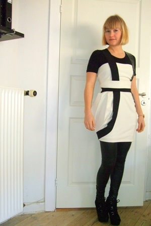 white Dean Penn dress - black leggings - black Wolford intimate - black Topshop