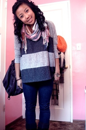gray Forever 21 top - brown H&M scarf - blue Forever 21 jacket