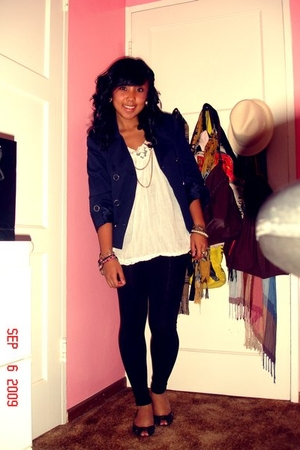 H&M blazer - Forever21 top - Forever21 leggings - Steve Madden - H&M accessories