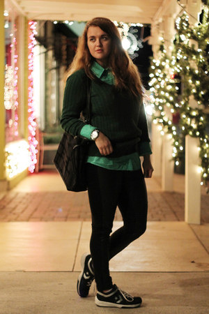 green scoop neck Old Navy sweater - black leather Forever 21 leggings