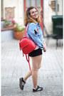 Light-blue-denim-young-reckless-jacket-red-backpack-zara-bag