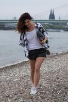 suiteblanco shorts - kimono Tally Weijl blouse - Converse sneakers