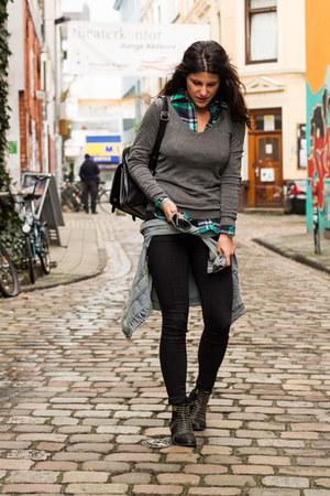 suiteblanco boots - Primark jeans - Lefties sweater
