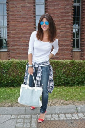 Stradivarius shirt - H&M t-shirt - Primark sandals