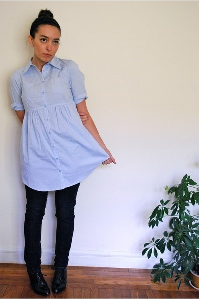 1c580171296 light blue shirt dress unknown dress - black unknown jeans - black patent  leathe