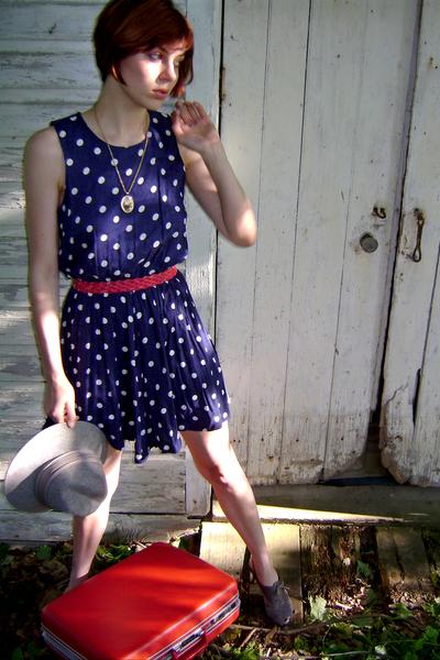 FashionMongeretsycom dress - vintage belt - vintage necklace - Forever21 shoes -
