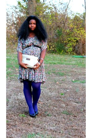 thrifted dress - purple tights - clutch thrifted bag - thrifted belt