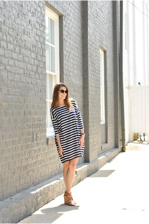 navy Gap dress - brown The Mint Julep wedges