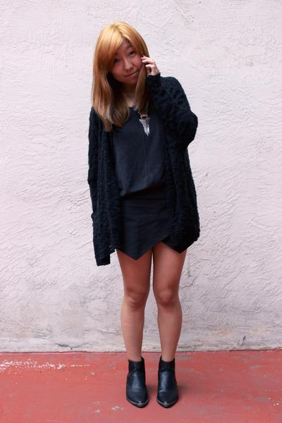 black Zara shorts - black H&M boots - black LF sweater