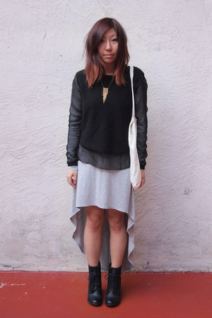 black shoemint boots - heather gray Forever 21 dress - black paneled H&M sweater