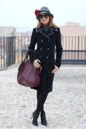 black balenciaga coat - black ankle boots cesare paciotti boots