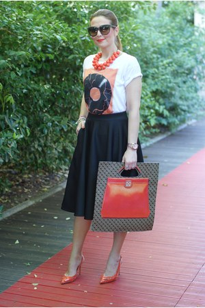 carrot orange Gherardini bag - black asos skirt - carrot orange Le Silla heels