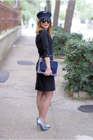 blue Tommy Hilfiger hat - navy Vigevano Shoes shoes - black Dezzal dress