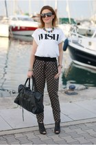 white Pull & Bear t-shirt - black work bag balenciaga bag