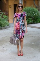 salmon fantasy print Hale Bob dress - heather gray joy boston bag Gucci bag