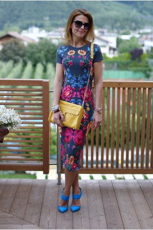 yellow mac clutch Rebecca Minkoff bag - navy floral bodycon asos dress