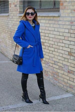 blue Stefanel coat - black Nando Muzi boots - blue Front Row Shop dress