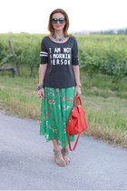 green floral maxi cichic skirt - red longchamp bag