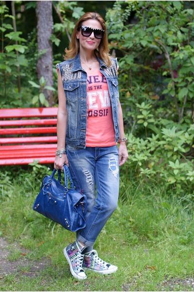 blue denim Pull & Bear vest - blue Zara jeans - black asos sunglasses