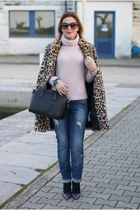 tan Zara coat - blue Noisy May jeans - light pink King Kong sweater