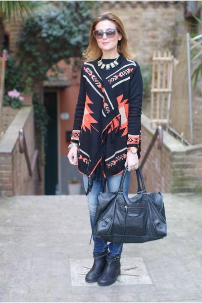 black Ruco Line boots - blue REPLAY jeans - black balenciaga bag