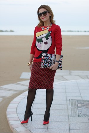 red Moschino sweater - blue Ohmai bag - ruby red pull&bear skirt