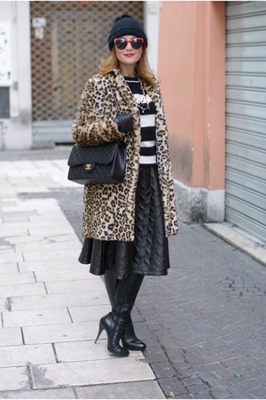 light brown leopard print Zara coat - black Chanel bag