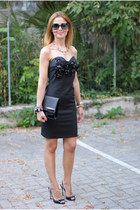 black strapless Shi4 dress - black clutch H&M bag - black studded Miu Miu heels