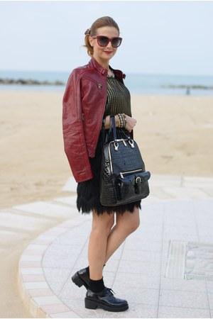 black backpack verysimple bag - black brogues Nando Muzi shoes