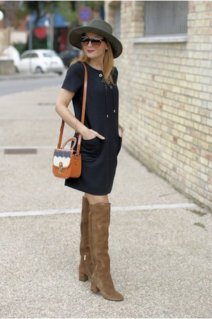 black 123 Paris dress - light brown Le Silla boots - maroon Darling bag