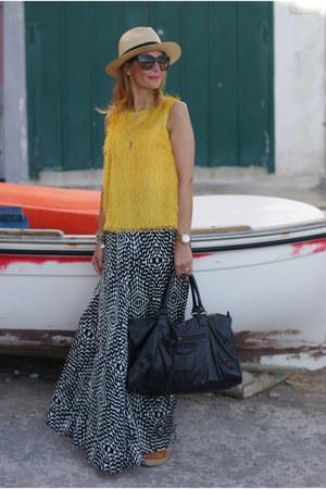black goldie skirt - mustard Steve Madden shoes - off white Ecua-andino hat