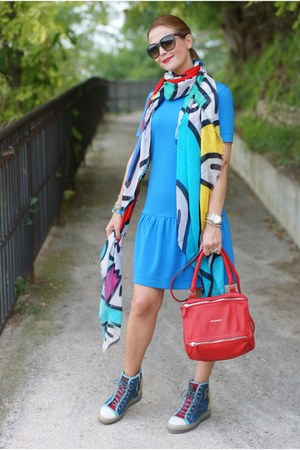 blue Ruco Line sneakers - sky blue Pinko dress - yellow Tessitura Lancioni scarf