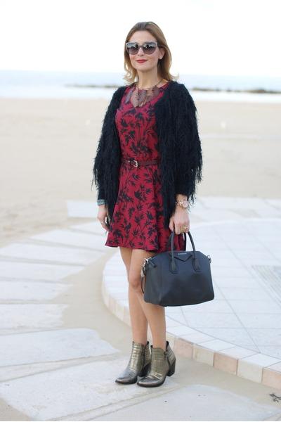 black Givenchy bag - tan Le Silla boots - brick red blackfive dress