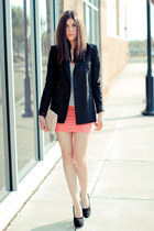 Hot Pink Skirt + Heels
