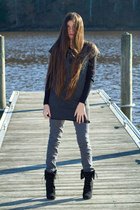black James Perse shirt - black Bakers boots - gray Forever 21 jeans - gray fior