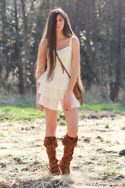 Minnetonka Fringe Boots Shoes | Chictopia