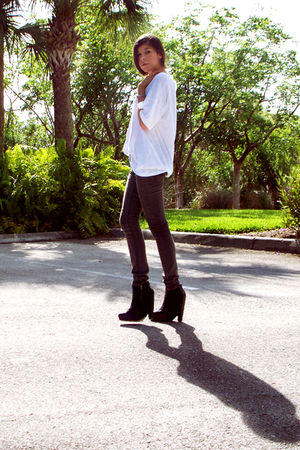 black Cheap Monday jeans - white Elizabeth and James t-shirt - black sam edelman