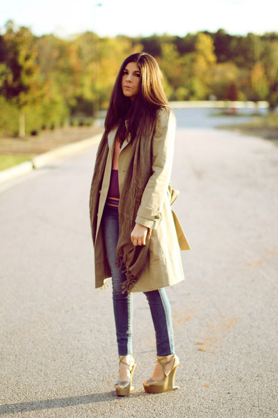 tan trench coat Marc Jacobs coat - dark khaki wedges Moschino shoes