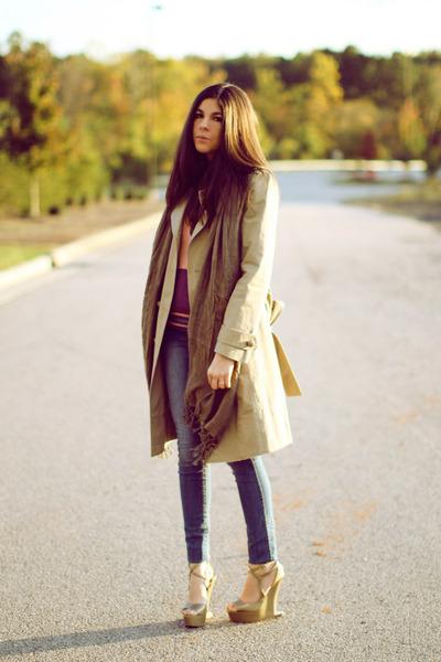 tan trench coat Marc Jacobs coat - dark khaki wedges Moschino shoes