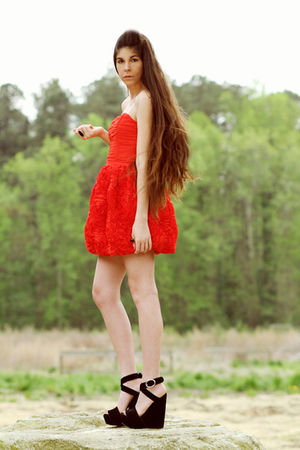 red H&M dress - black Dolce & Gabbana shoes