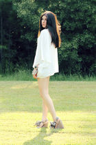 white Smitten blouse - beige gap x pierre hardy shoes - silver Forever 21 access