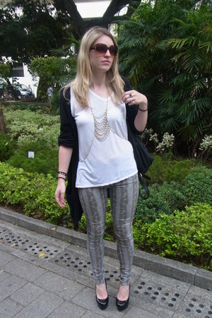 heather gray snake print Topshop jeans - white Alexander Wang t-shirt