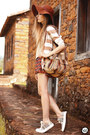 Tan-dafiti-bag-brick-red-dafiti-skirt