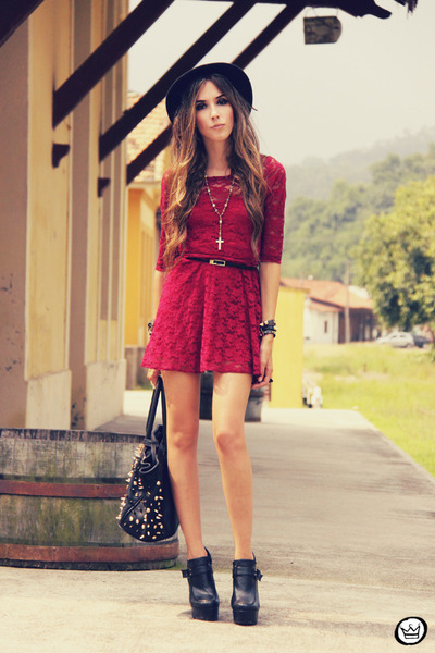 black Timeless bag - brick red Sheinside dress - black Kafé bracelet