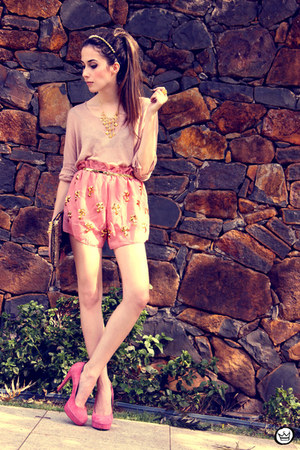 pink FashionCooltureShop shorts - light pink ClubCouture sweater