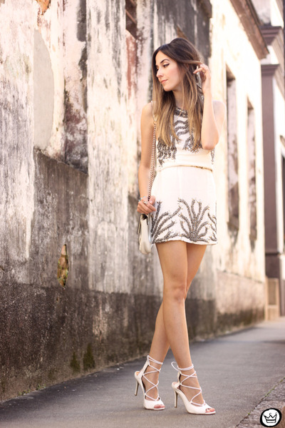 White-viber-dress