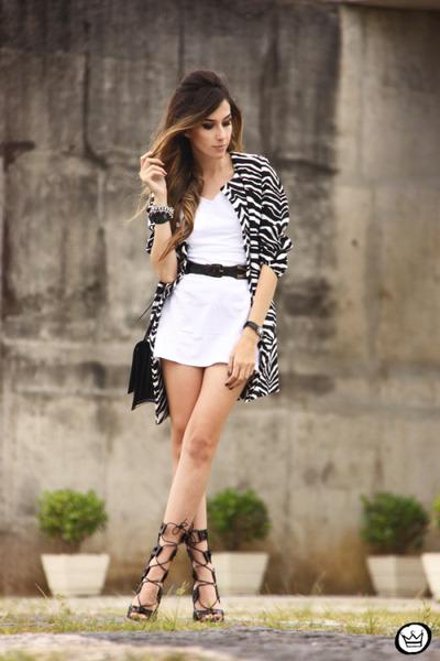 off white Displicent dress